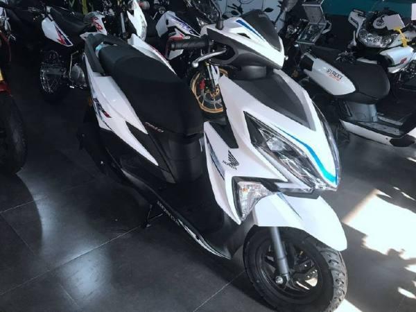 预算万元,性价比较高的踏板摩托车有哪些呢?