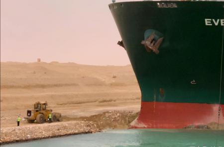 为何不挖宽一些苏伊士运河?12万民工为此失去生命道出哪些真相
