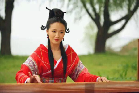 汉代,德才兼备班婕妤,为何在赵飞燕和赵合德两姐妹面前黯然失色?