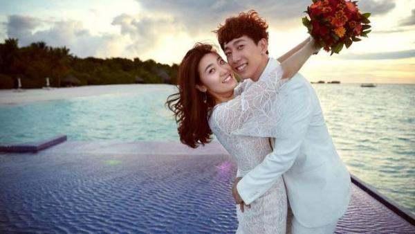24岁世界冠军韩天宇和32岁老婆,婚后生活如何?
