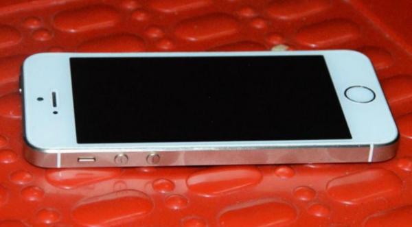 全玻璃iPhone外壳:苹果手机怎么能只更换外屏玻璃?