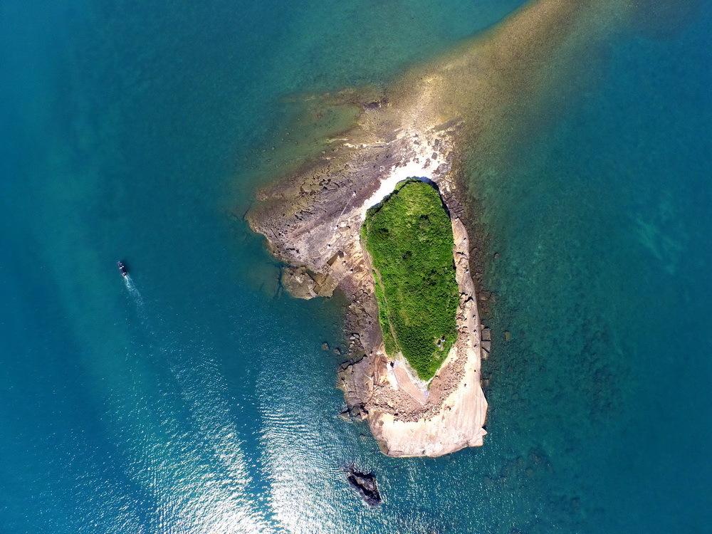 求涠洲岛旅游攻略(请尽量详细)