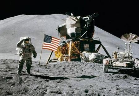 月球为何有将近200吨垃圾?