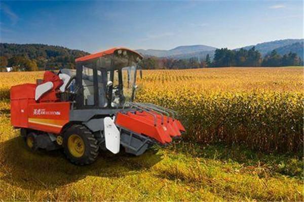 玉米收割机哪个好用?