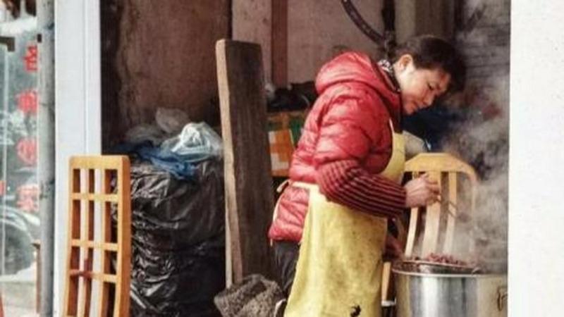 南京父母的夢想:大學畢業后,孩子去賣鴨