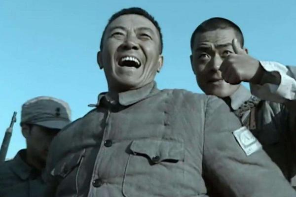 《亮剑》中,李云龙为何斗不过王副军长?赵刚老婆给出了怎样的答案呢?