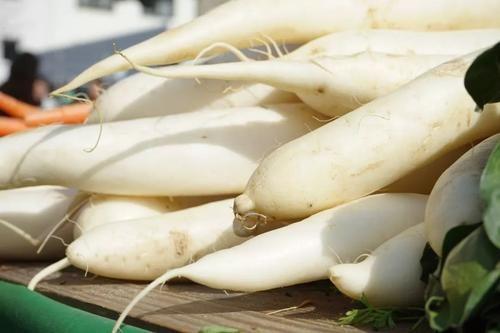南瓜可以润肺益气,化痰排脓,还有哪些蔬菜可以起到这些效果?