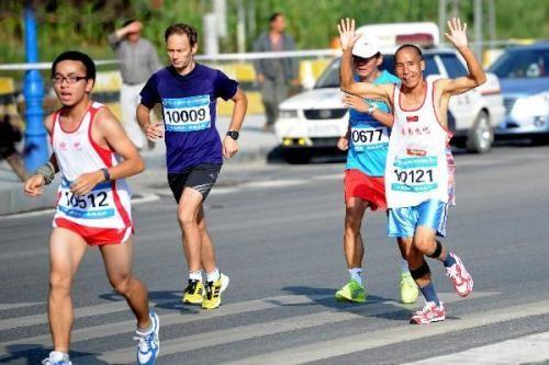 马拉松跑进两小时到底有多不容易?