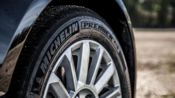 车要换轮胎了,米其林和普利司通哪个好一些