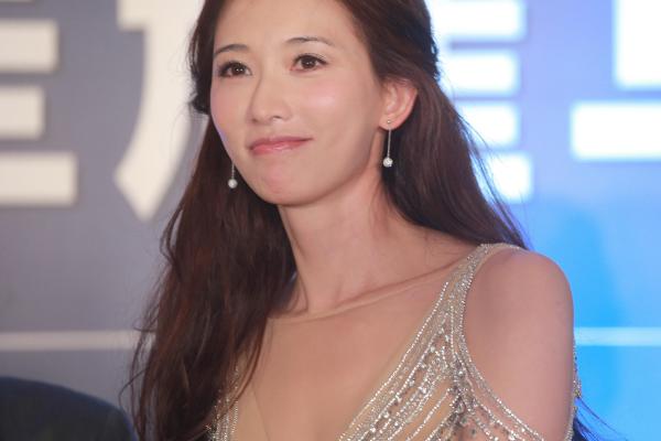 王耀庆意外说漏林志玲怀孕消息,为何网友说女神林志玲反应太真实?