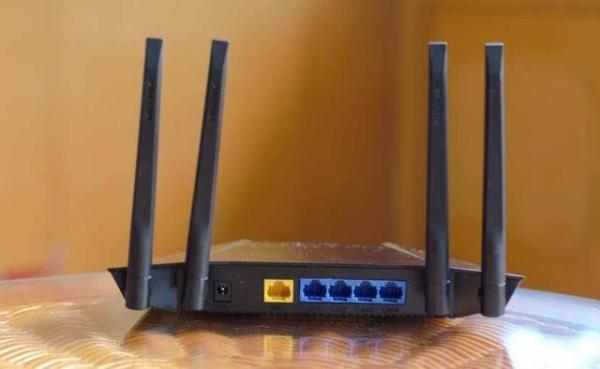 家里带4根天线的路由器怎样摆动才能使上网达到最佳效果?