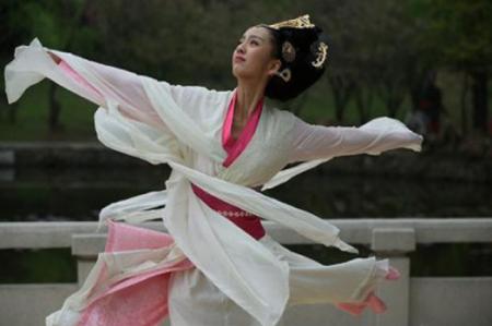 赵飞燕贵为皇后,为何最后输给了自己的妹妹赵合德?