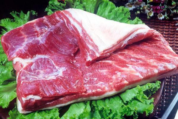 为什么猪肉都是摆着卖而羊肉是挂着卖的?