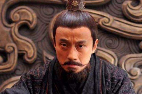 孔融被曹操灭三族,临死前请求放过一双儿女,后来怎么样了?