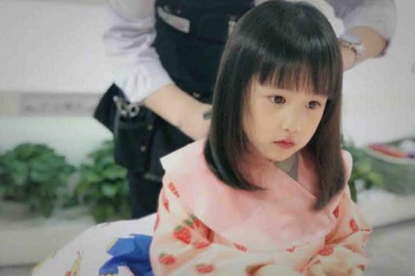 黄磊的女儿越长越美,她是星二代的颜值巅峰吗?