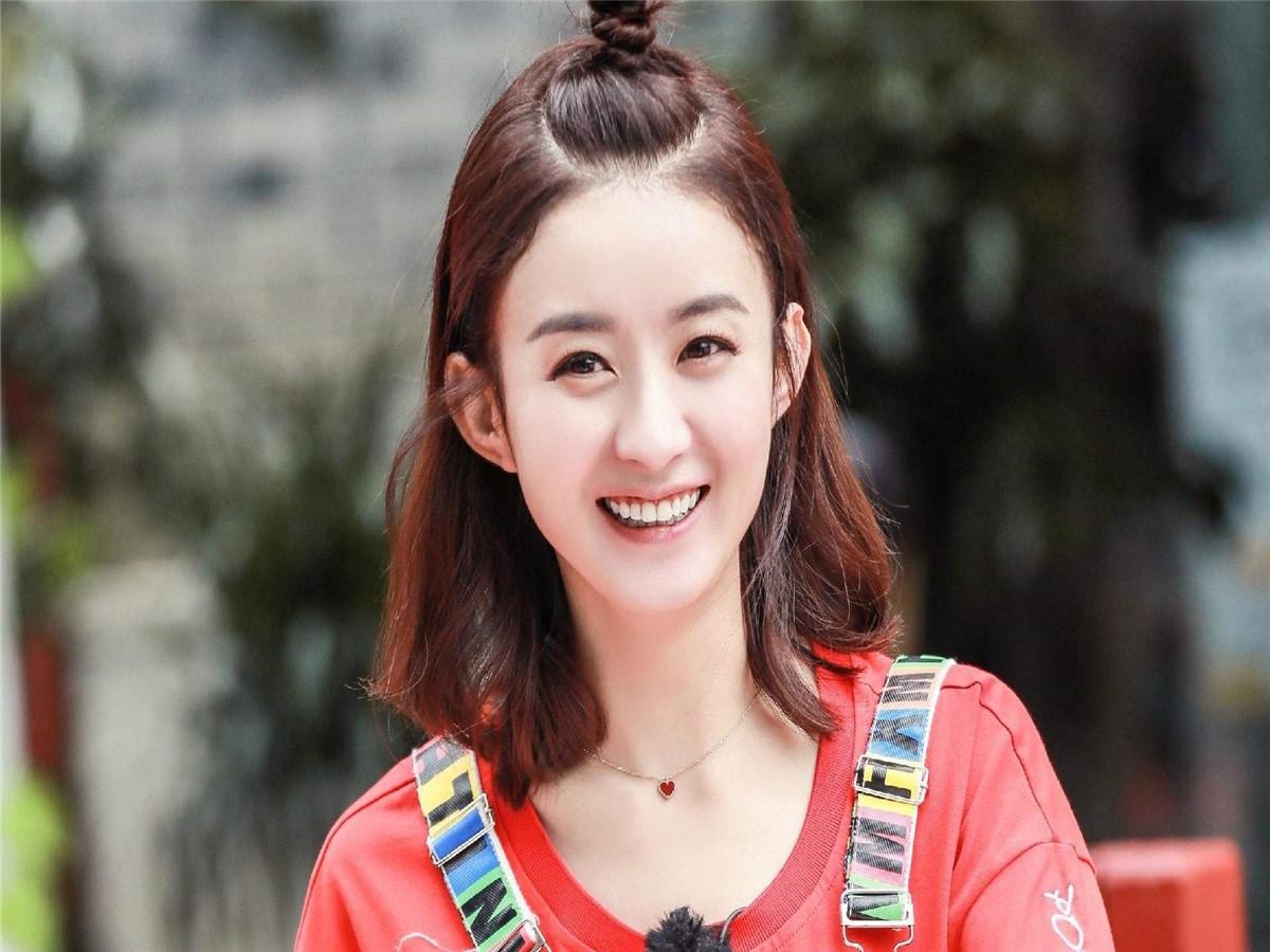 赵丽颖产后复出受到阻碍,女人结婚生子不是天职?