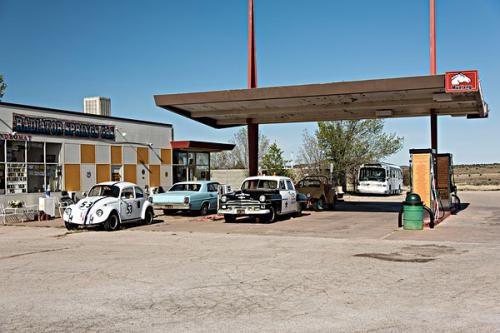 加油站的免费自动洗车机洗车时对车漆伤害大吗?