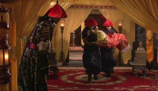 「皇帝与妃嫔的床第之事」古代皇上是怎么和嫔妃上床的