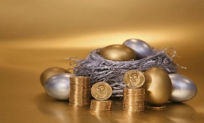 基金580003:请问上投行业轮动与广发核心哪个更具投资价值?