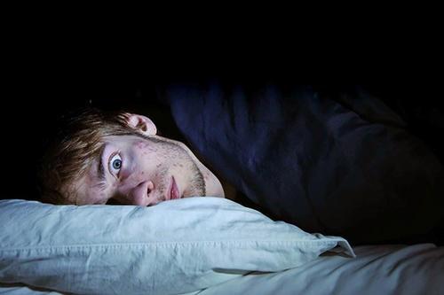 农村总是存在鬼怪之说,碰到鬼压床应该怎么办?