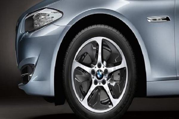 汽车轮胎必须一对一起换吗,更换的时候需要注意什么?