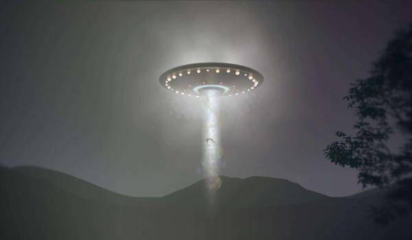 「美军 ufo战斗」UFO有可能是美军的隐形战斗机吗?有可能是为了探测国情吗?如果是的话,就可以解释下列情况了