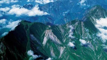 """秦岭到底有什么独特之处,能被称为中华""""龙脉""""的头图"""