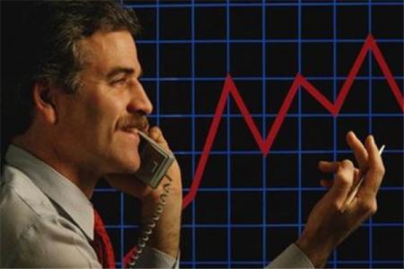 基金 银行 证券 金融 这四个什么关系? 还是前三种是属于金融行业的 盼 切切。