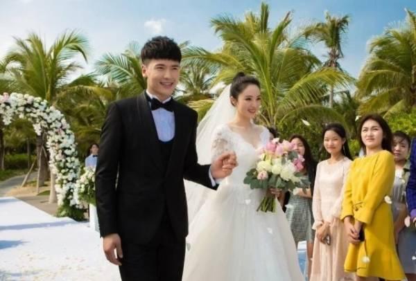 董璇离婚后首现身,婚姻失败后她的下一步会如何走?