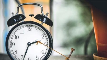 科學大觀園:熬夜后為啥睡得時間更長