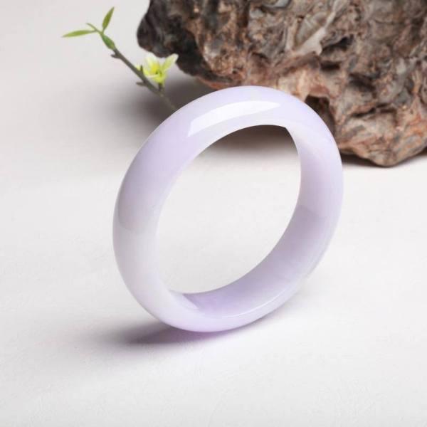 教你如何正确选购紫罗兰翡翠手镯?