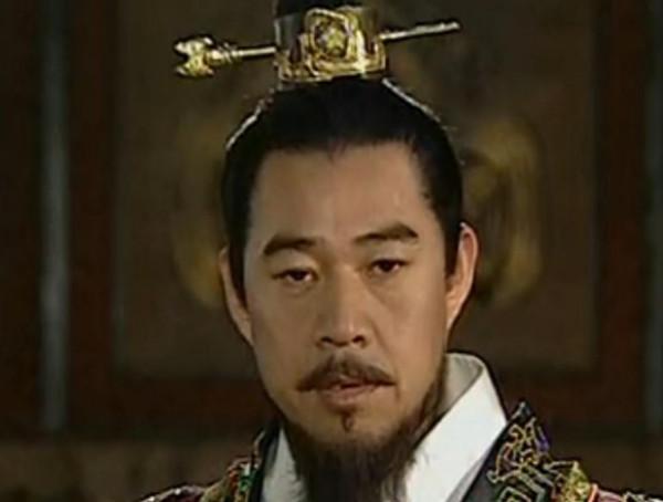 「中国史上第一个皇帝」谁是中国历史上第一个皇帝?
