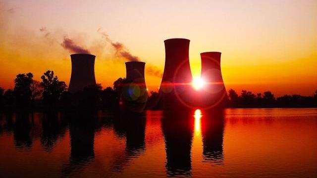核电站烧过燃料中还有大量的铀和钚,就白白地埋地下了?