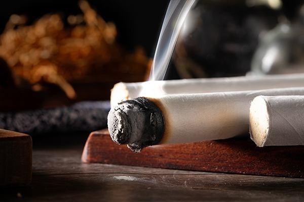 爸妈在家艾灸弄得满屋子都是烟,应该如何解决?