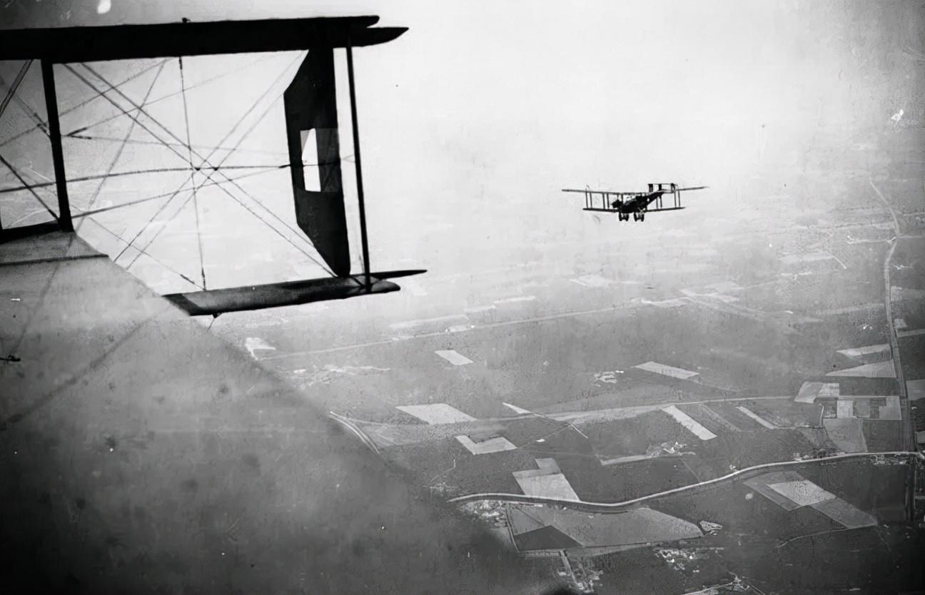"""战争史上堪称""""奇观""""的千机大轰炸,盟军为何用于德国,而非日本"""