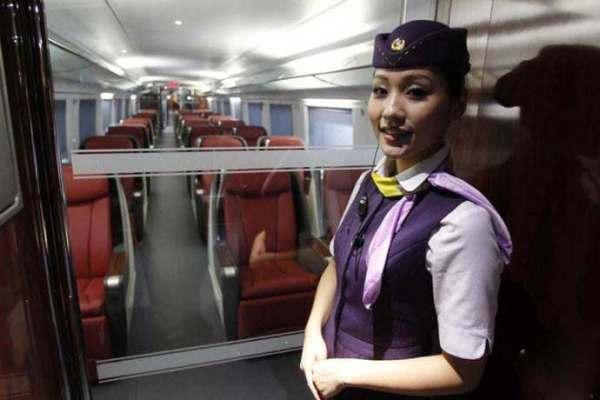 高铁上商务座票价是二等座的三倍,到底贵在哪里?