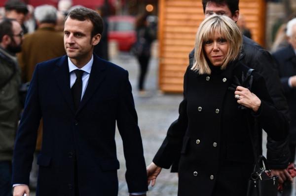 法国总统与大他24岁的妻子,是怎么发展成了姐弟恋?