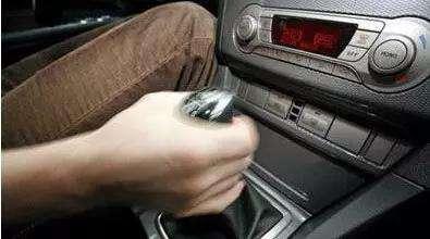 开手动挡汽车有什么换挡技巧么?
