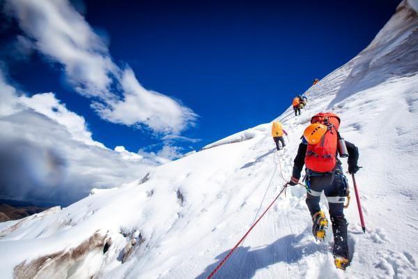 「迪亚特洛夫事件之谜」1959年在乌拉尔山脉9位滑雪登山者死亡,为什么迄今为止仍是个谜?