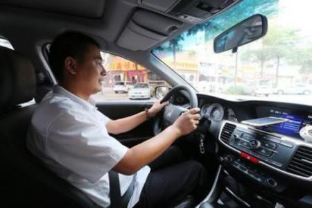 网约车司机在线12小时能赚多少钱?