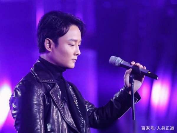 """拥有超高唱功却七年没通告,章子怡也""""带不火""""的歌手最终认命了,他是谁?"""