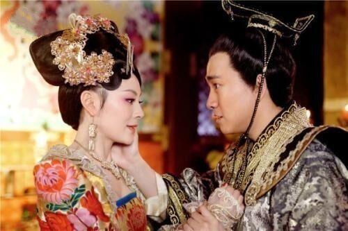 南北朝高纬,为何让自己的宠妃冯小怜玉体横陈,供大臣欣赏?
