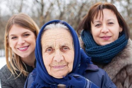女性的绝经时期和更年期,是同步的吗?