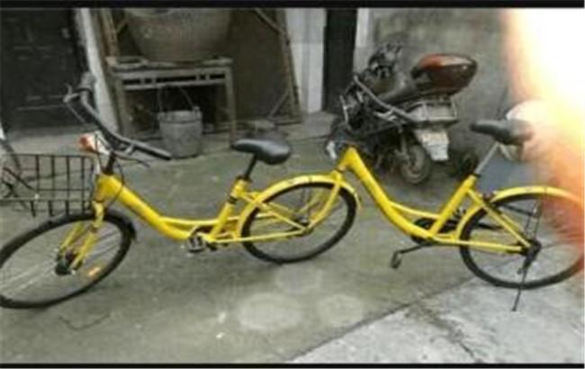 两女子骑共享单车比赛参加马拉松,单车使用都有哪些奇葩事?