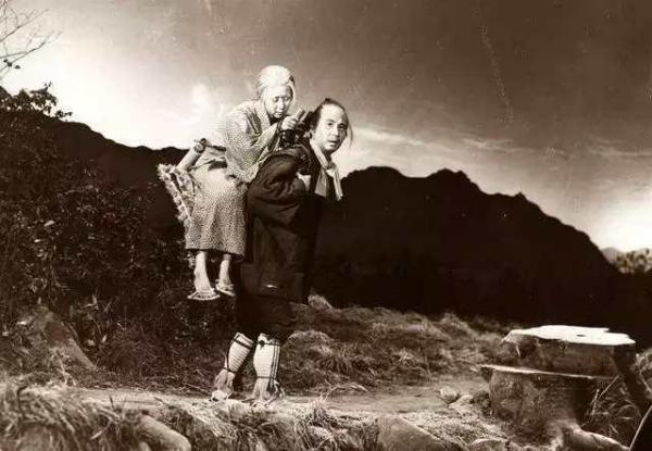 「历史真相吧」求一部香港的电影 好像叫真相吧