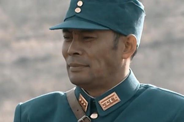 亮剑中赵庄战役李云龙和楚云飞鏖战, 为何粟裕要拿五吨炮弹把李云龙换下来呢?