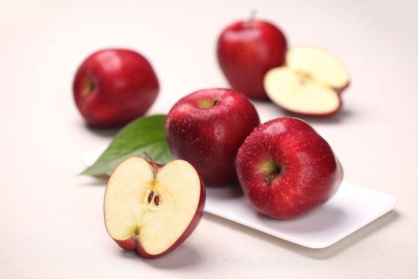 为什么很多人晚上吃姜赛砒霜、吃苹果有毒?