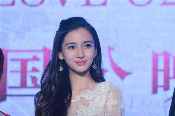 黄晓明与Angelababy被曝已秘密离婚,这个消息是真的吗?