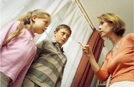父母无休止的唠叨,对孩子的成长真的好么?