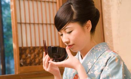 为什么日本女人从不做月子,却依然长寿?